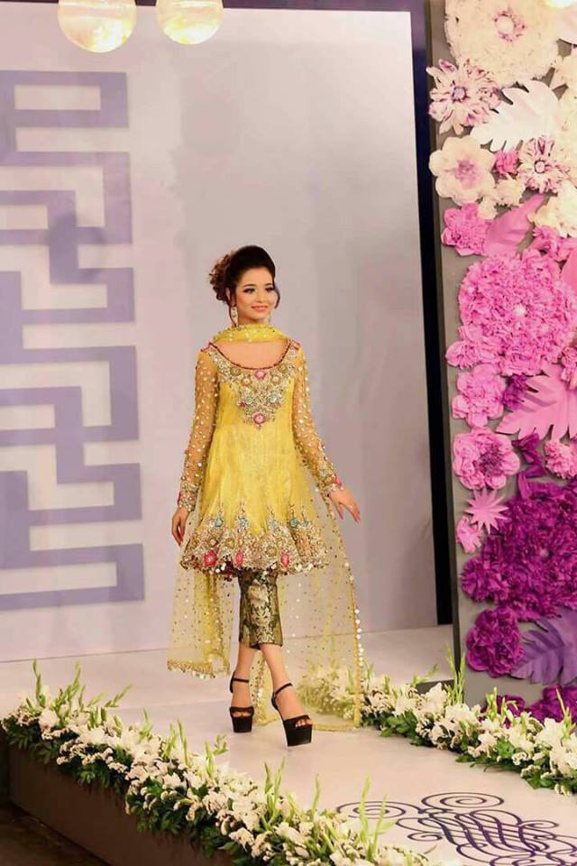Latest Mehndi Party Dresses : Mehndi dresses pakistani marketplace